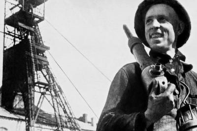 5 ноября 1977 года ушел из жизни А.Стаханов— новатор, основоположник Стахановского движения, Герой Социалистического Труда